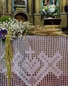 Bodas 8 – Decoración centro de mesa en la Iglesia